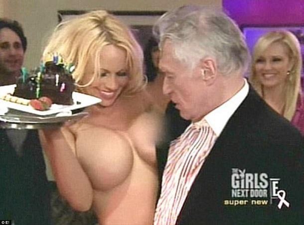 Секс в доме хью хефнера видео