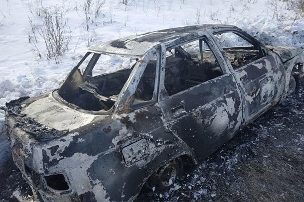 Сгоревшее авто под Харьковом