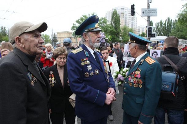 Полтысячи людей пришли на акцию Бессмертный полк