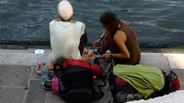 Туристы приготовили кофе на мосту в Венеции и были изгнаны из города