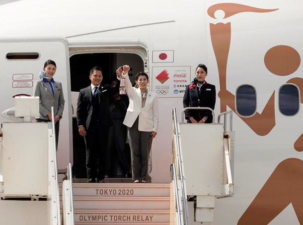 До Японії доставили олімпійський вогонь
