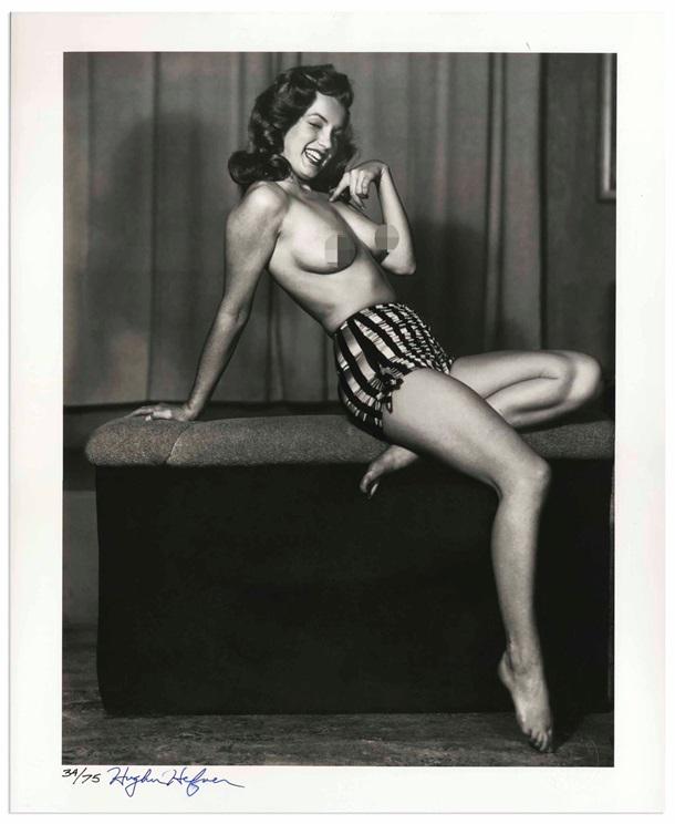 Редкое фото Мэрилин Монро топлес продают в сети