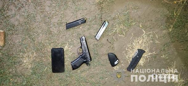 На Черкащині озброєні люди намагалися зібрати чужий урожай