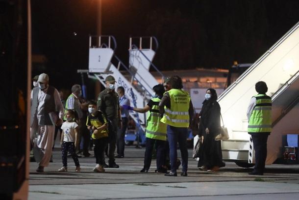 Пока все. В Украину прибыл последний рейс из Кабула (ФОТО) 3