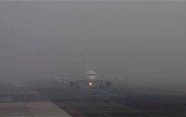 Самолет с игроками днепропетровского Днепра не смог приземлиться в Одессе из-за сильного тумана