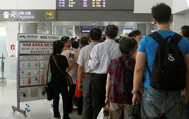 В Китае три самолета совершили экстренную посадку из-за угрозы теракта на борту
