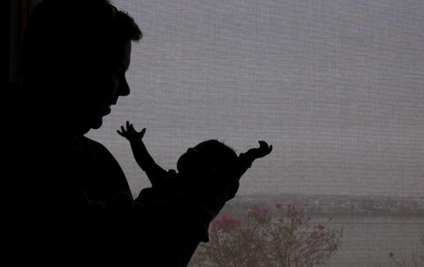 Житель Германии стал первым в Европе мужчиной, родившим ребенка