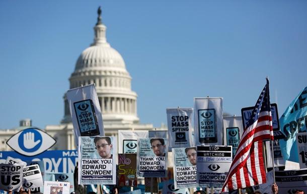 Сноуден должен вернуться в США и предстать перед судом за раскрытие секретной информации