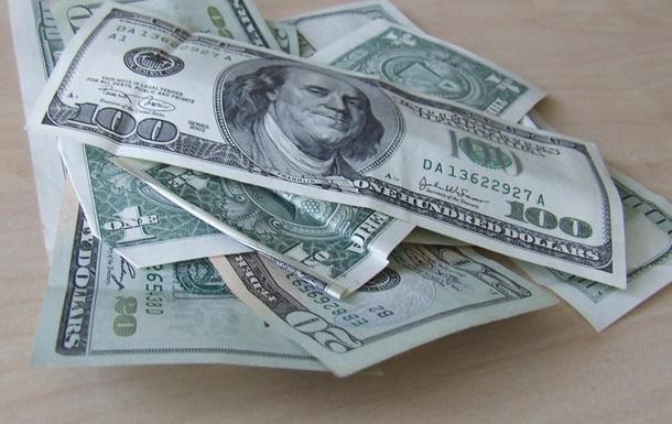 Курс валют: НБУ не реагирует на скачок доллара на межбанке
