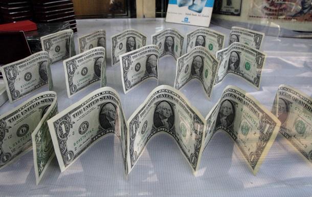 Октябрь лишил украинские золотовалютные резервы еще миллиарда долларов