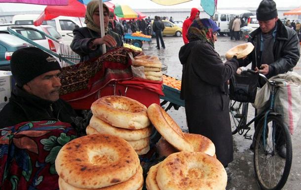 Reuters: Таджикистан оставил нерешенные проблемы прежнему лидеру