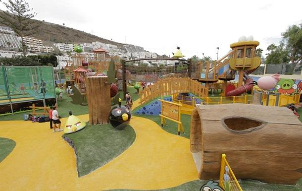 В Испании открылся крупнейший в мире парк Angry Birds