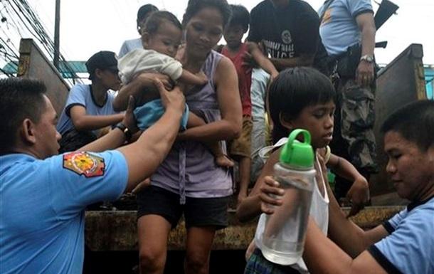 Во Вьетнаме из-за тайфуна Хайян эвакуировали более 200 тысяч человек