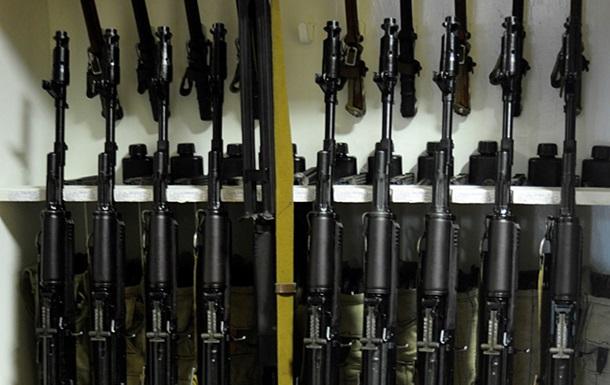 ЗН: Минобороны продает боевое оружие под видом безопасных макетов