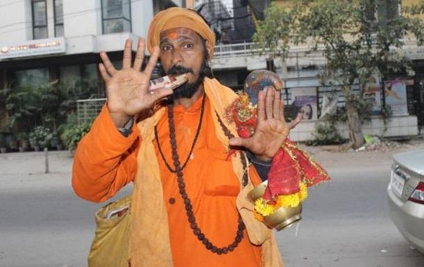 Индиец с 12 пальцами не может устроиться работу