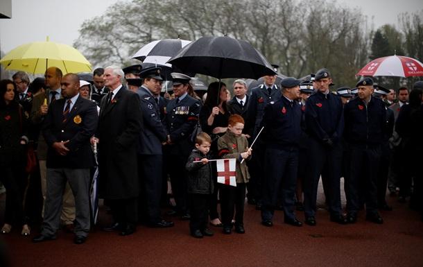 В Великобритании на похороны одинокого ветерана пришли сотни людей
