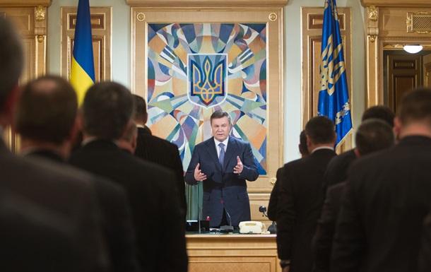 Эксперты считают, что Януковичу готовят  алиби  на случай срыва подписания соглашения с ЕС - Ъ