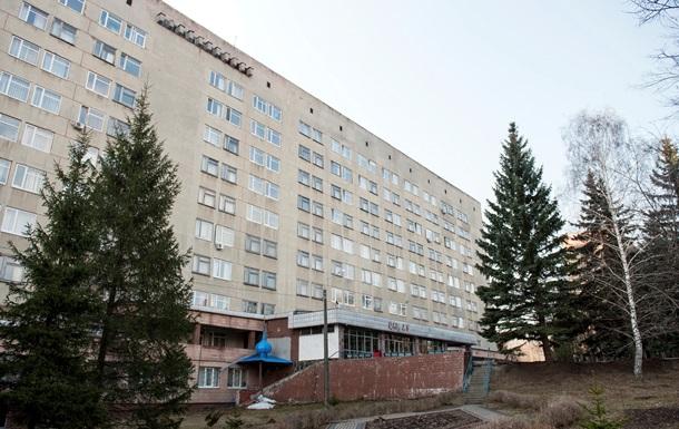 Луценко - Яценюк - Тимошенко - прибытие - Яценюк и супруги Луценко прибыли в харьковскую больницу для встречи с Тимошенко