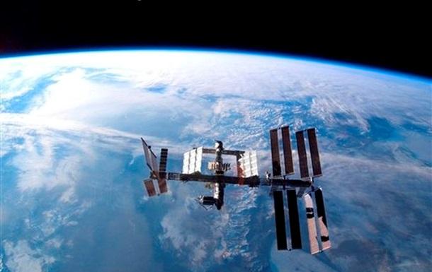 Экипаж МКС запустит четыре микроспутника