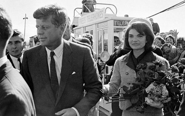 Джон Кеннеди мог погибнуть из-за своего корсета - бывший врач