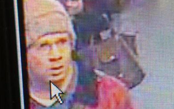 Несколько дней терроризировавший Париж мужчина выступал против СМИ, банков и тюрем