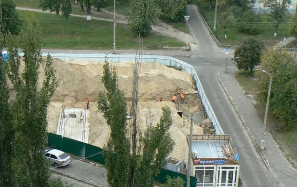 Зупинимо будівництво дев'ятиповерхової собачої конури на Юності 8а