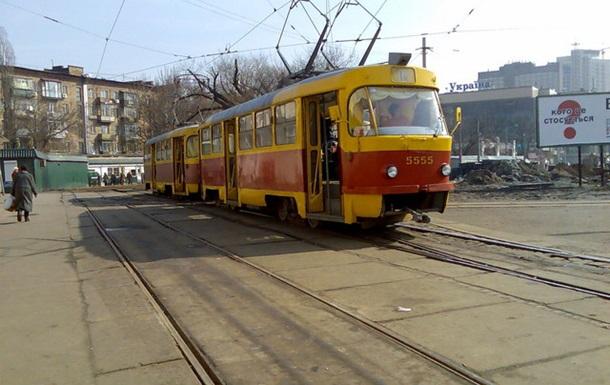 Киев хочет к Москве. Глупостью и чиновниками