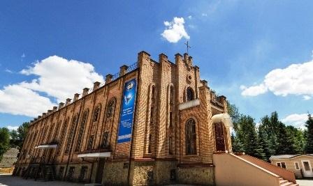 Виртуальный  3D тур по  Библейской Церкви Украины .