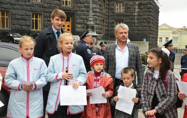 Школярі Полтавської філії ЗОШ №12 виступили проти Табачника та іншої нечисті