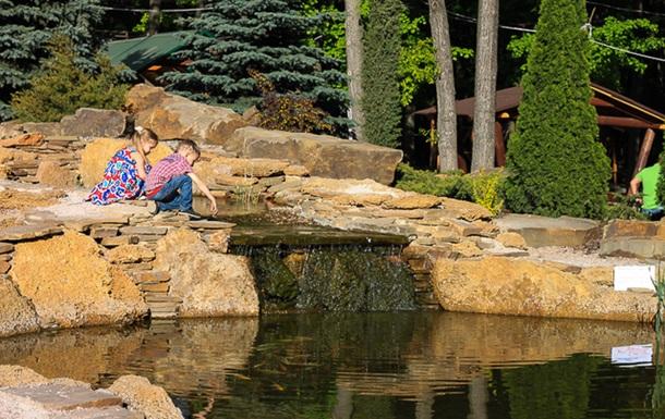 Поки народні обранці відпочивали, Фельдман побудував власний зоопарк