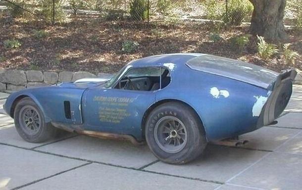 Яценюк коллекционирует старые немецкие автомобили