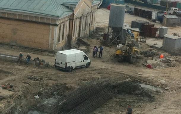 В киеве на почтовой площади ограбили музей Магдебургского Права