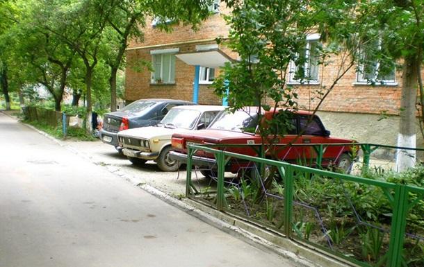 Парковки во дворах