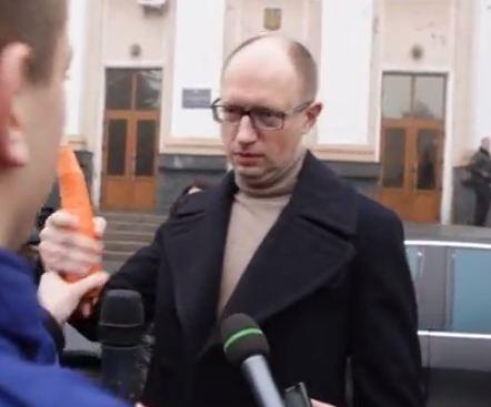 Яценюк пошел по стопам Колесниченко