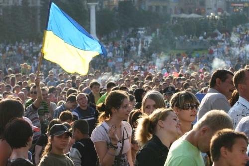 Что же делать украинцам, если пропасть все глубже?