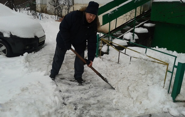 Снег. ЖЭК. Письмо Азарову