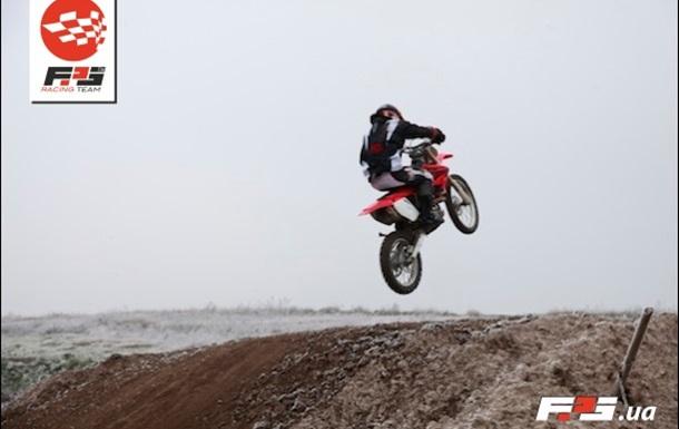Что мотоциклисты делают зимой? (ФОТО)