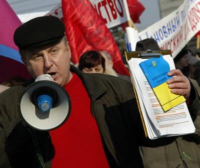 Подозрительно нищий председатель Конгресса русских общин Крыма