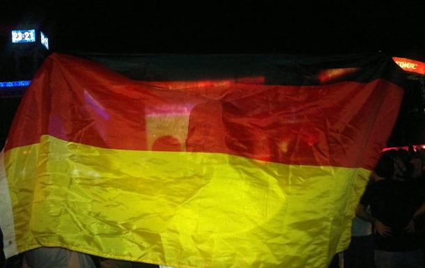 ЄВРО. Київ. День п ятнадцятий. Німці в Україні цілими родинами (фото+відео)