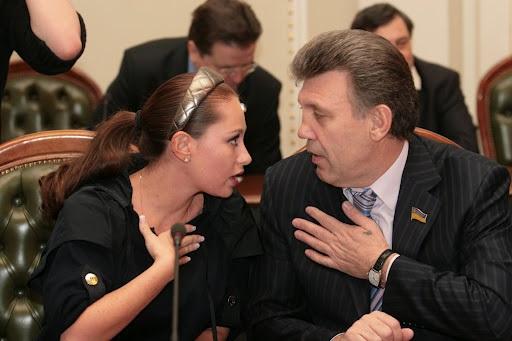 Регіоналка Бережна голосує із Тбілісі…
