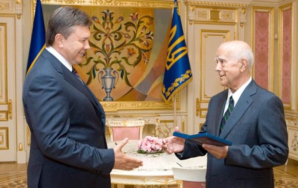 Коротич и Янукович: была ли победа над совком?