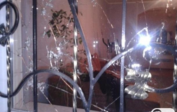 Никопольскому журналисту во двор кинули гранату