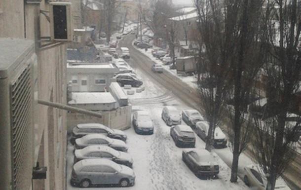 В Киев пришла зима. Снегопад на Подоле