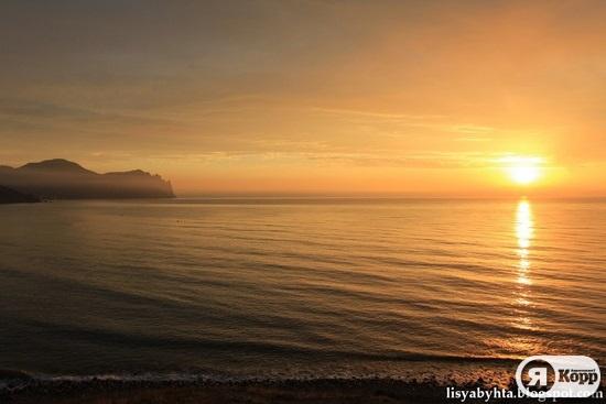 Долгое лето в Крыму. На море в октябре