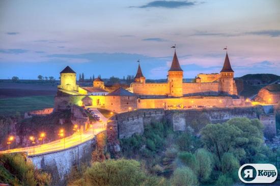 Вечерние виды городов Западной Украины