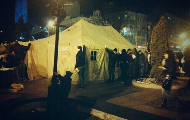 Суд запретил участникам евромайдана во Львове устанавливать палатки