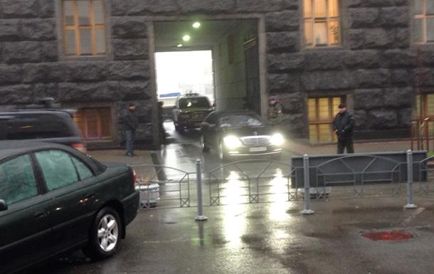 Побег из Кабмина. Министры покидают здание через черный ход - оппозиция