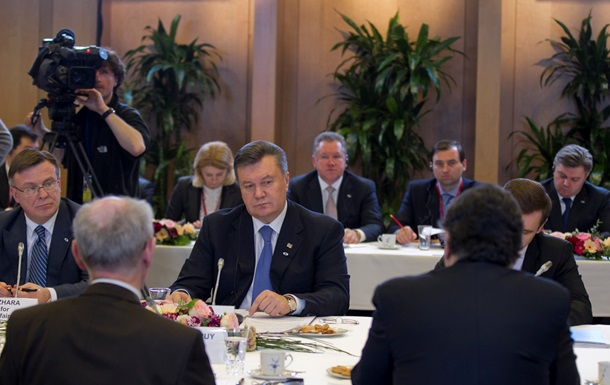 Новая газета: Президент Украины Виктор Янукович выбирает  бандитский капитализм
