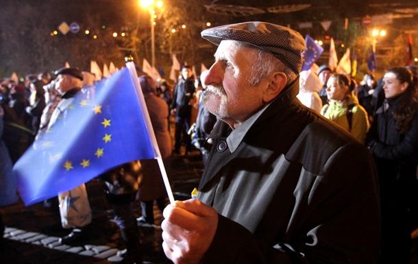 Немецкий политик: У Киева нет альтернативы сближению с ЕС