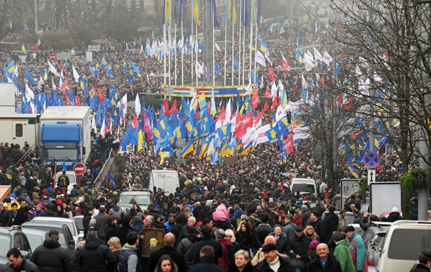 Власти Киева советуют водителям не ездить сегодня в центр